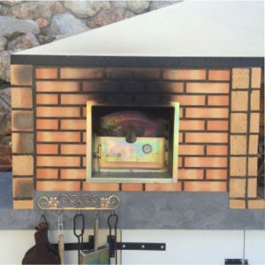image of wood_oven_to_pizza_and_bread