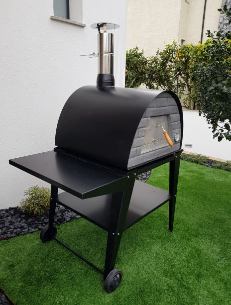 image of oven-maximus-black--with-atlas-black-stand